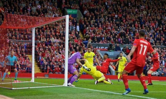 Cade il Villarreal: l'autogol, Sturridge e Lallana mandano il Liverpool in finale col 3-0
