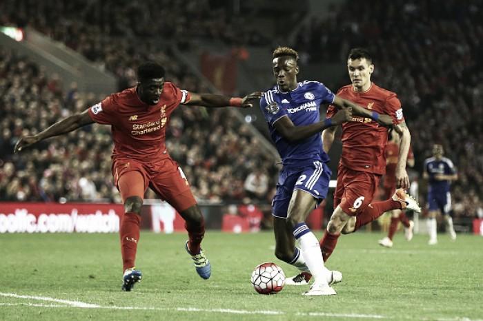 Liverpool e Chelsea empatam no Anfield Road com gols belgas