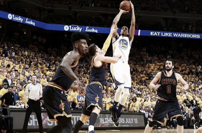 NBA Finals - È la solita storia: Kerr imbriglia Cleveland, Livingston superstar