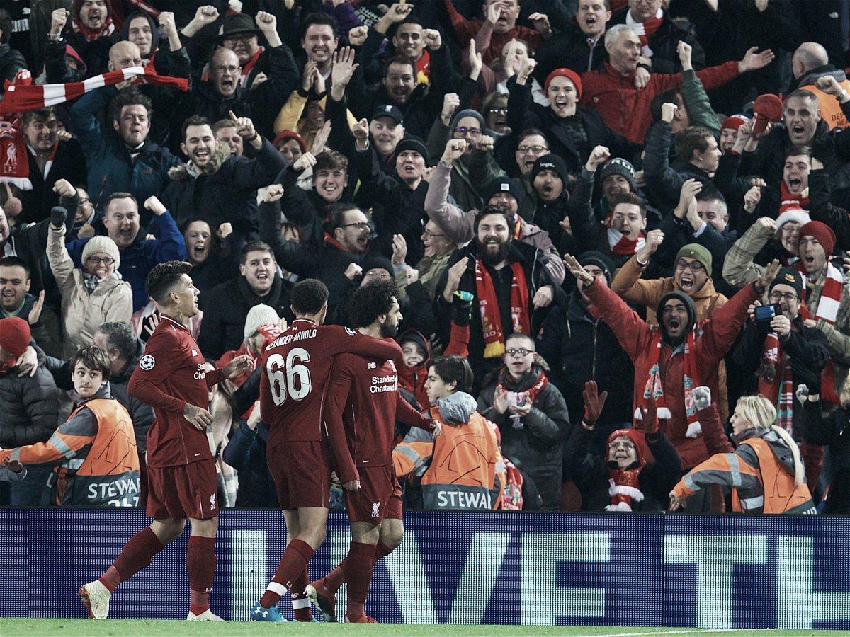 Alisson salva no fim, Liverpool vence confronto direto contra Napoli e avança na Champions