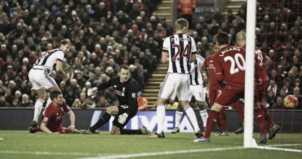 Il Liverpool si salva nel maxi-recupero: 2-2 con il WBA ad Anfield