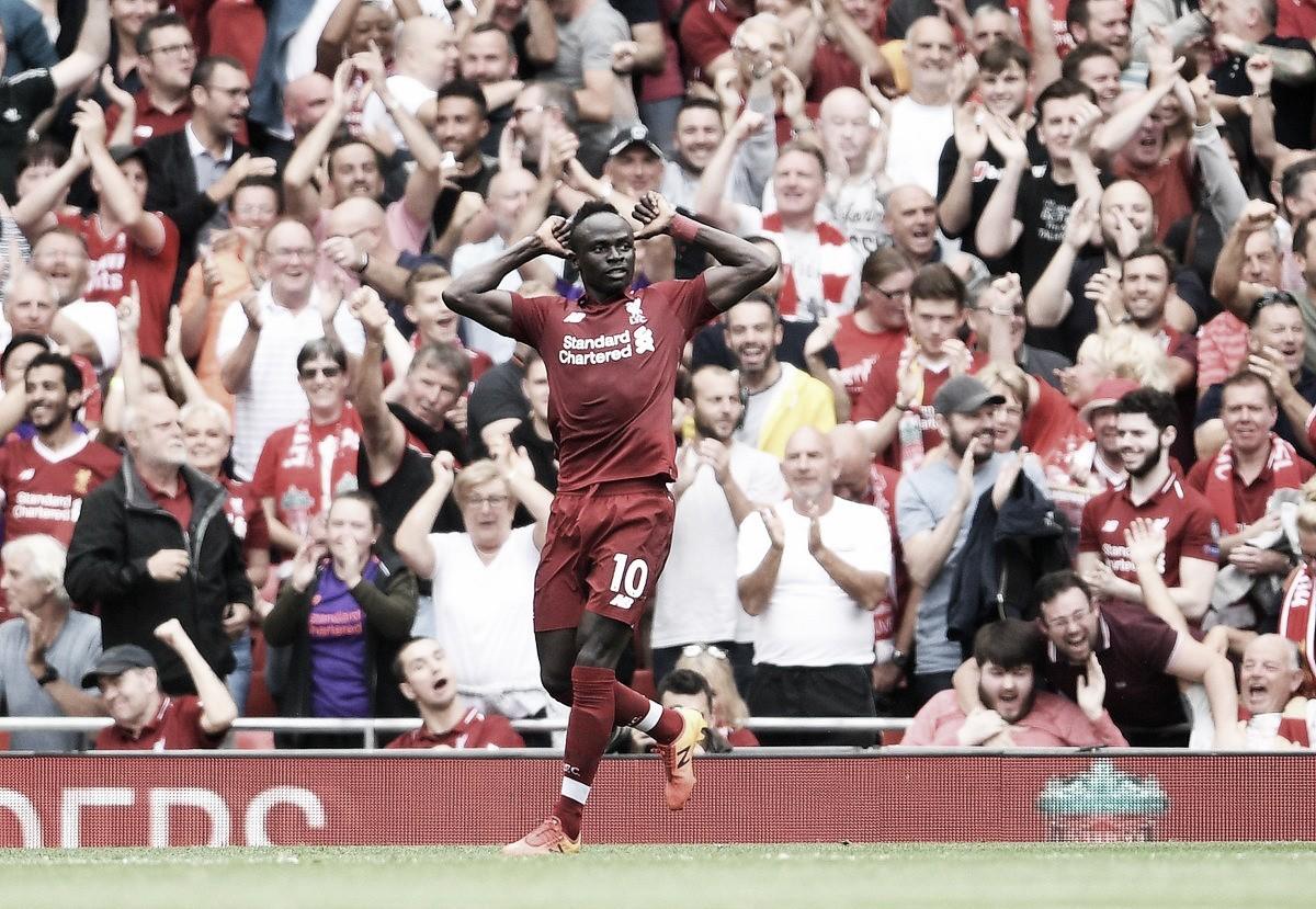 Com dois gols de Mané, Liverpool goleia West Ham e assume a liderança da Premier League