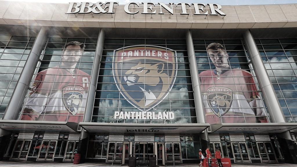 Los Panthers empezarán la temporada con público en las gradas