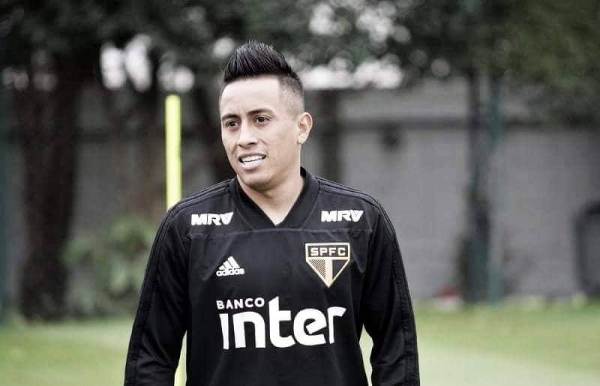 Cueva se despede do São Paulo com vídeo de gol sobre Corinthians
