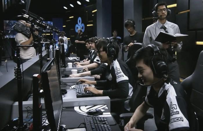 NA LCS Week 3: Team Solo Mid take down Cloud 9