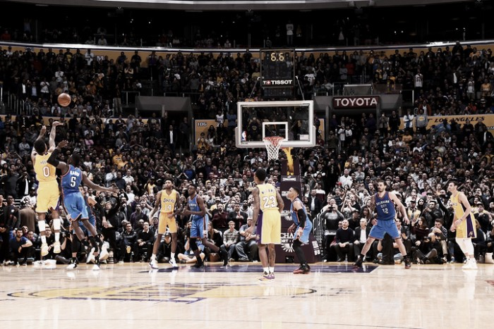 Nba, Nick Young eroe dei Lakers contro i Thunder (111-109)