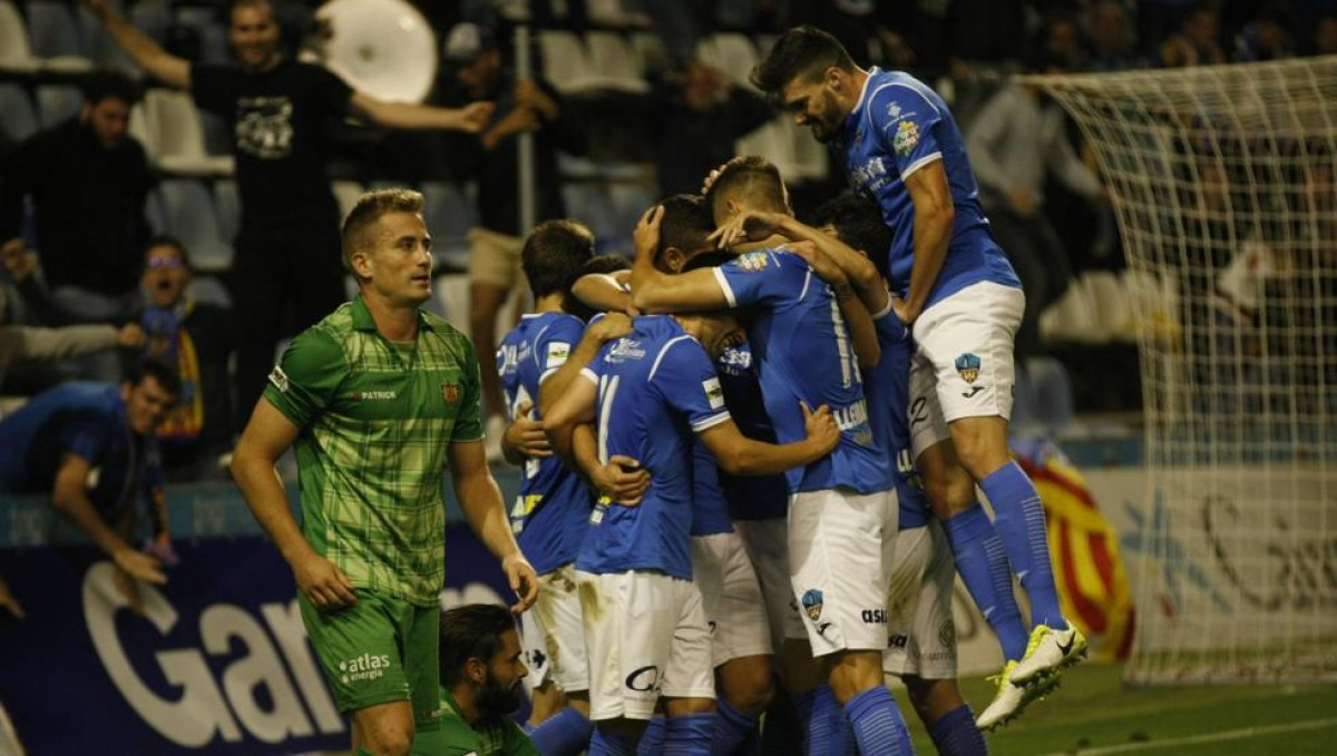 UE Cornellà - Lleida Esportiu: Batallapor el sueño del Play off