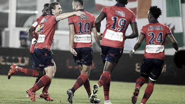 Larbi mete en problemas al Olympique de Lyon