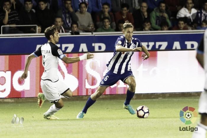 El Alavés logra un trabajado empate ante el Deportivo de La Coruña