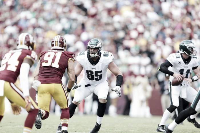 Eagles bate Redskins fora de casa em jogo de muitos turnovers