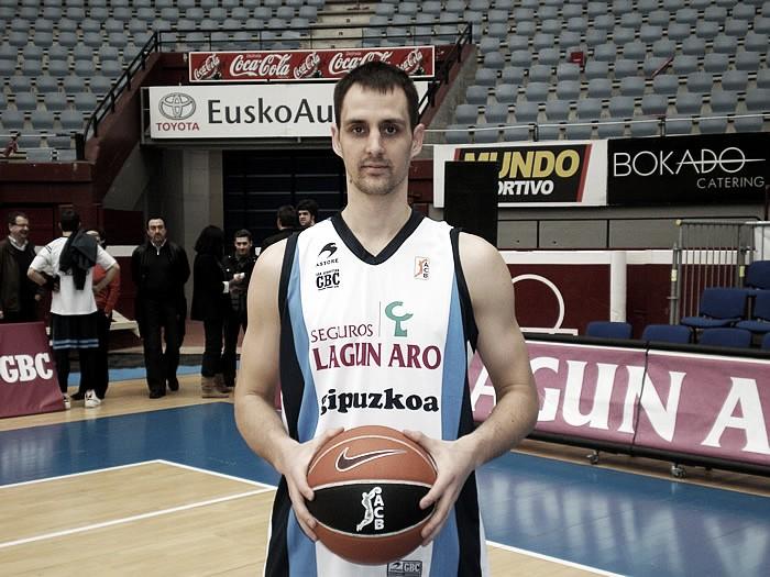 Domen Lorbek llega a Sevilla para cubrir la baja de Marc García