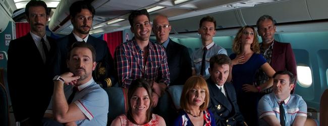 Raúl Arévalo, Javier Cámara y Carlos Areces, azafatos con mucho ritmo en el primer teaser de 'Los amantes pasajeros'