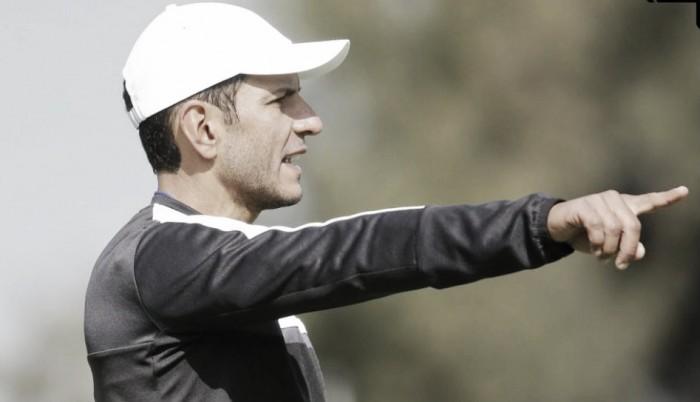 Los Gallos Blancos triunfan ante Pumas a 'picotazos'