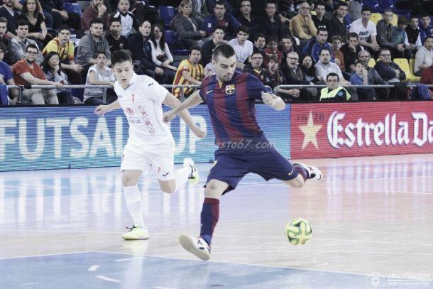 Monólogo del FC Barcelona en su debut europeo