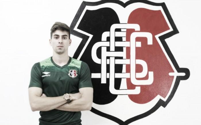 Santa Cruz anuncia zagueiro Luan Peres e volante Derley para disputa do Brasileirão