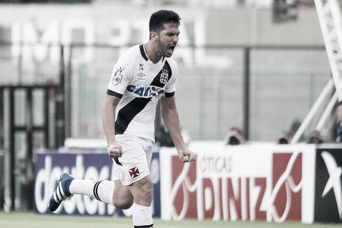 Novamente com gol de zagueiro, Vasco bate Tupi pelo placar mínimo e segue invicto no ano