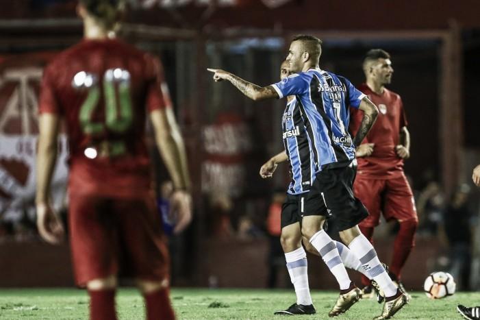 Grêmio sai na frente, mas acaba cedendo empate para Independiente pela Recopa