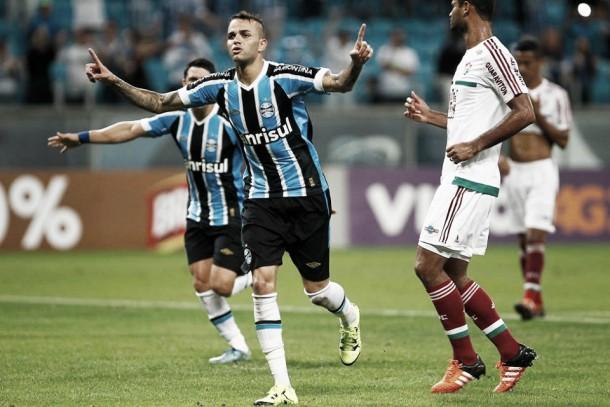 Grêmio bate Fluminense em jogo movimentado e fica perto de confirmar vaga no G-4