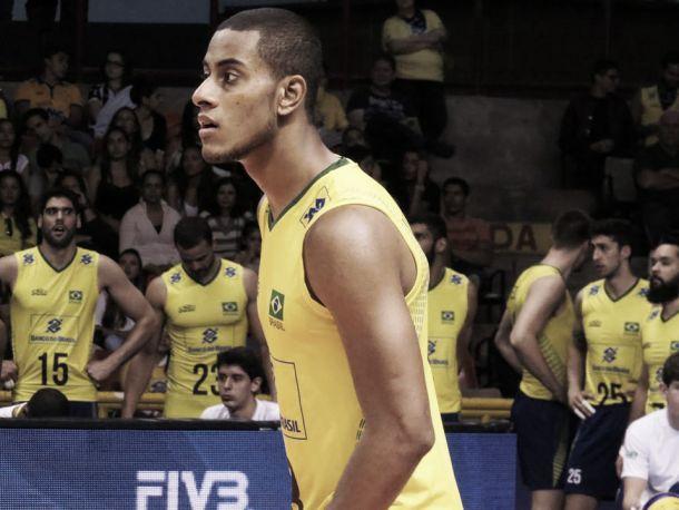 Lucarelli mantém pés no chão após vitória sobre Sérvia e admite que Brasil precisa de ajustes