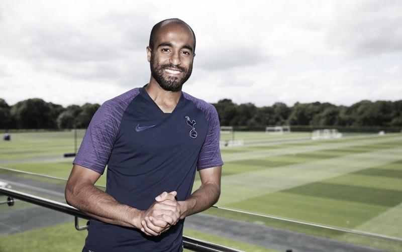 Herói na Champions League, Lucas renova com Tottenham até 2024