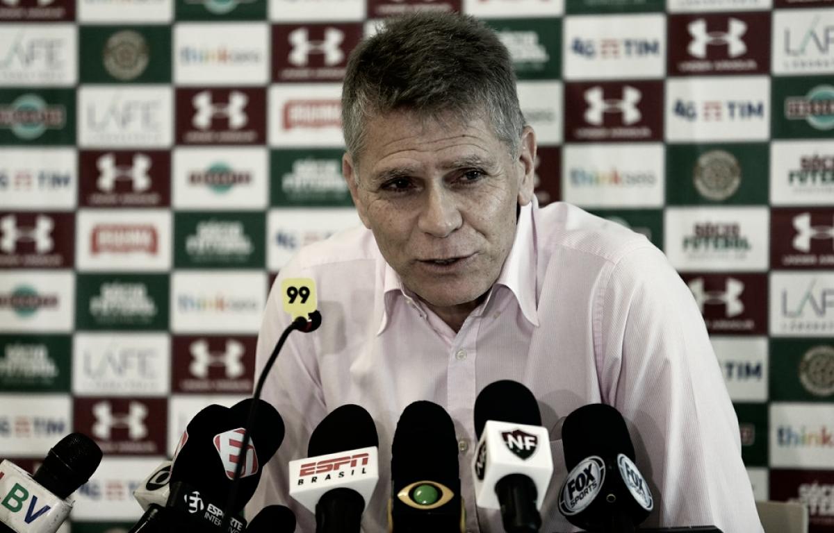 """Autuori assegura negociações avançadas por reforços: """"Estão próximos de serem anunciados"""""""