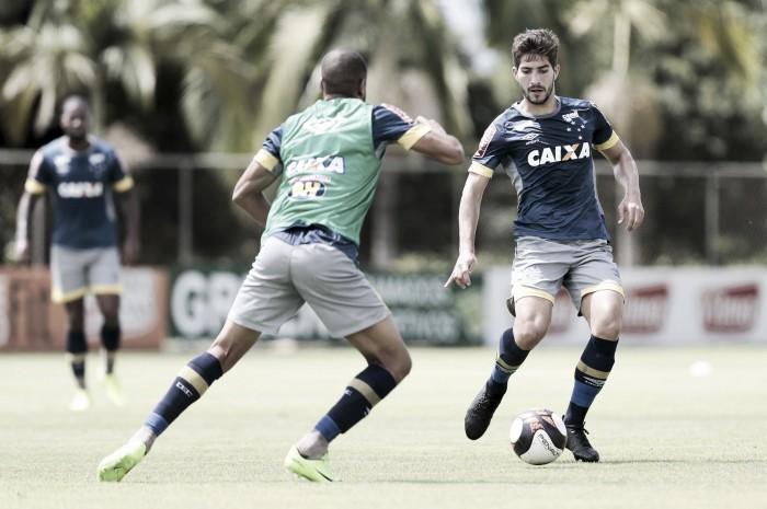Mano confirma time mesclado contra a URT e Lucas Silva vive expectativa de ser titular