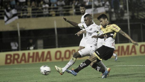 Lucca lamenta início ruim na derrota do Criciúma para o Santos