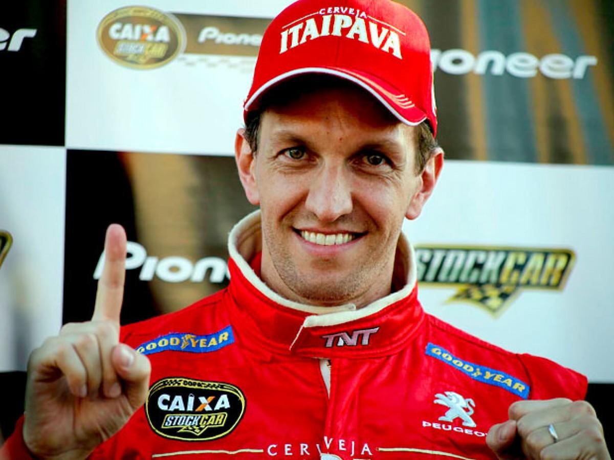 Luciano Burti disputa corrida de duplas na Stock Car