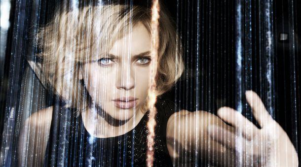 Concurso 'Lucy': sorteamos 3 camisetas de la taquillera cinta de Scarlett Johansson