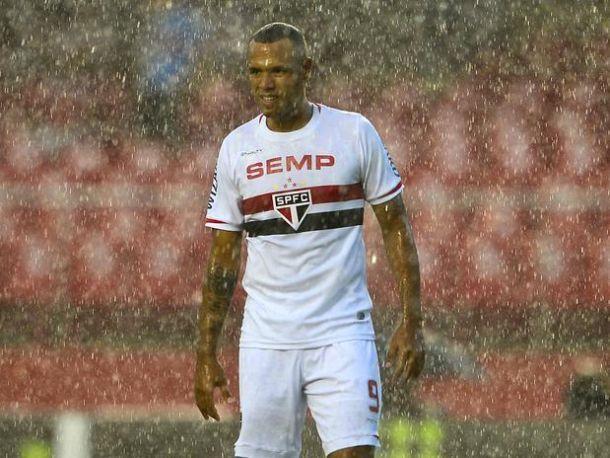 Ituano vence o São Paulo em jogo chuvoso, e elimina o Corinthians