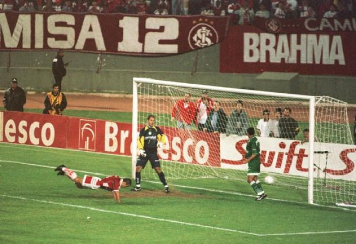 Por um fio: Internacional escapou do rebaixamento na última rodada em 1999 e 2002