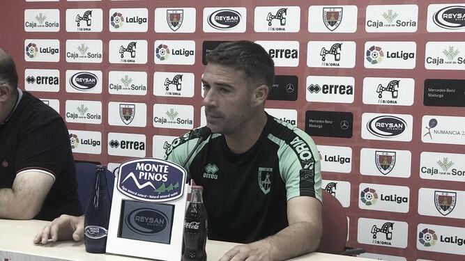 """Luis Carrión: """"El partido de mañana es igual de importante que el del Oviedo"""""""