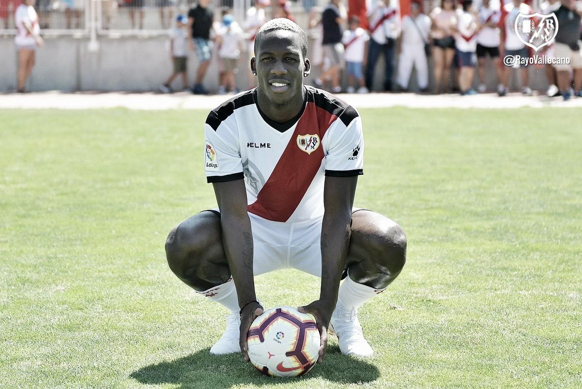 El segundo peruano en jugar con el Rayo Vallecano: Luis Advíncula