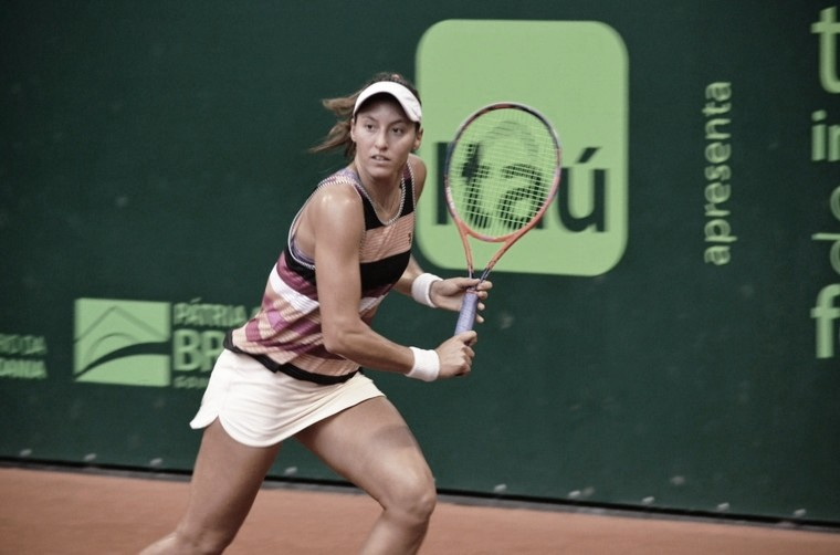 Luisa Stefani aproveita torneio de exibição nos EUA para retomar ritmo