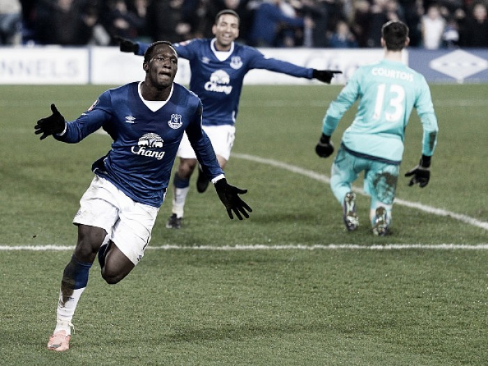 Romelu Lukaku advised to join Manchester United or Bayern Munich by father