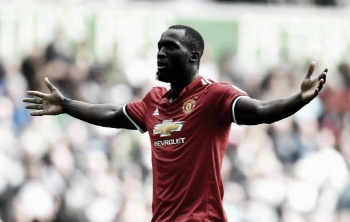 Chelsea deixa Diego Costa de fora, Manchester United inscreve Zlatan