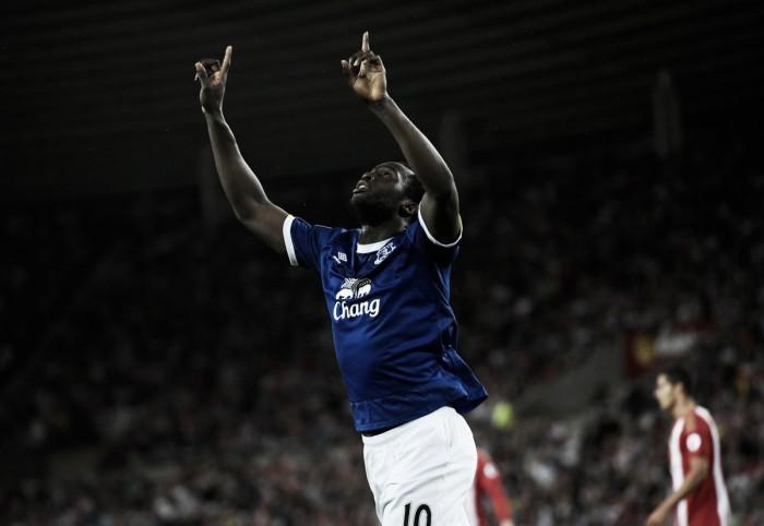 Sunderland 0-3 Everton: Romelu Lukaku's 11-minute hat-trick extends the Blues' unbeaten start