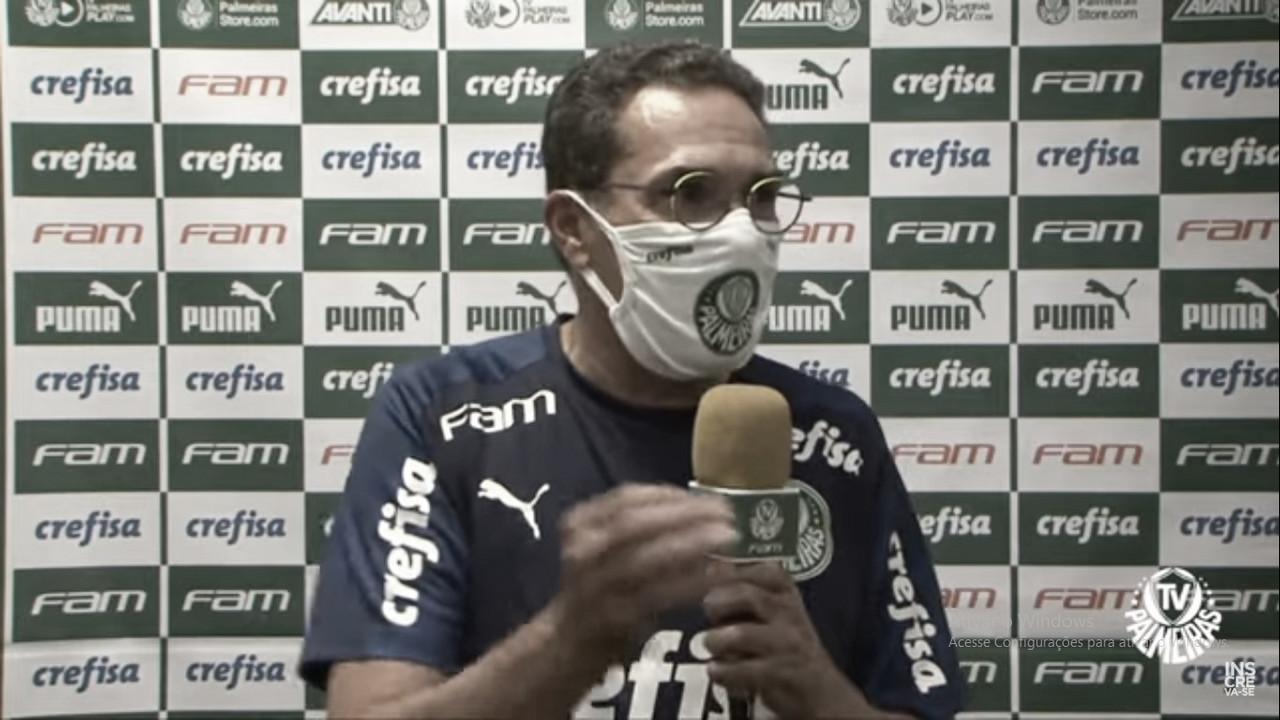 Luxemburgo afirma que Palmeiras foi 'melhor no segundo tempo' do Derby