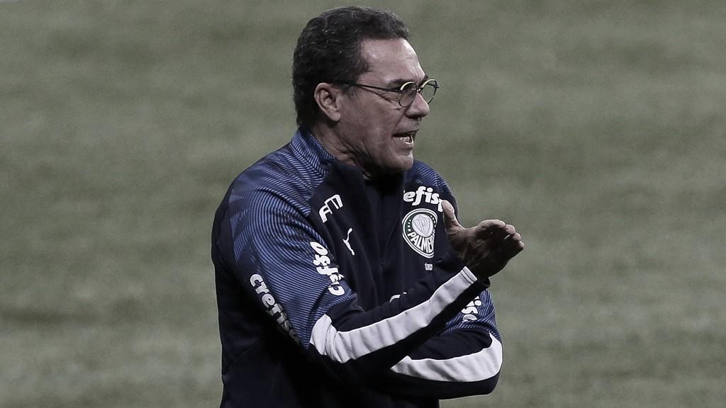 """Sem vencer no Brasileirão, Luxemburgo cobra elenco do Palmeiras: """"Mudar o comportamento"""""""