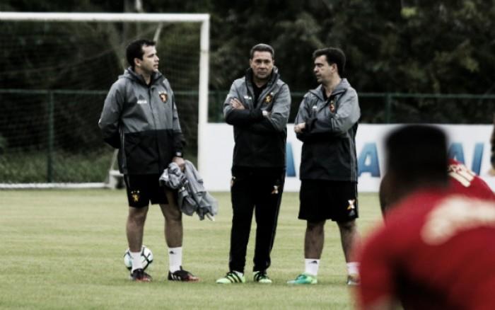 Mercado da bola: Sport renova contrato com meio-campista