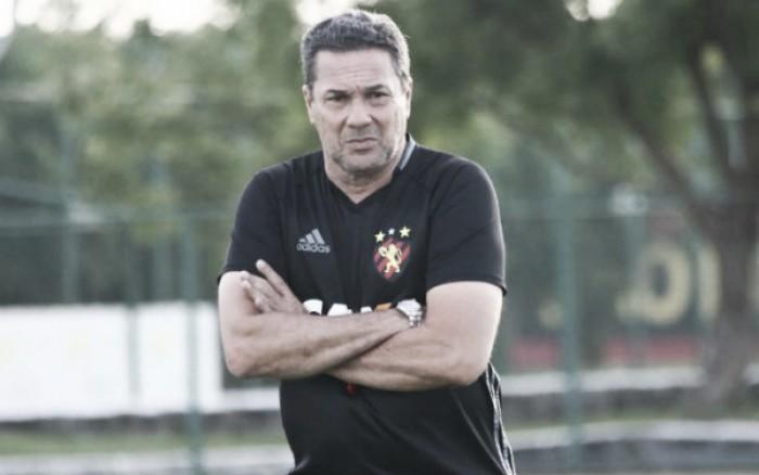 Vanderlei Luxemburgo não resiste à derrota para Junior Barranquilla e é demitido do Sport