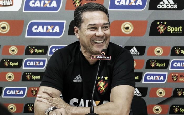 """Luxemburgo aprova empenho em vitória sobre Santos: """"Temos que acreditar no nosso potencial"""""""