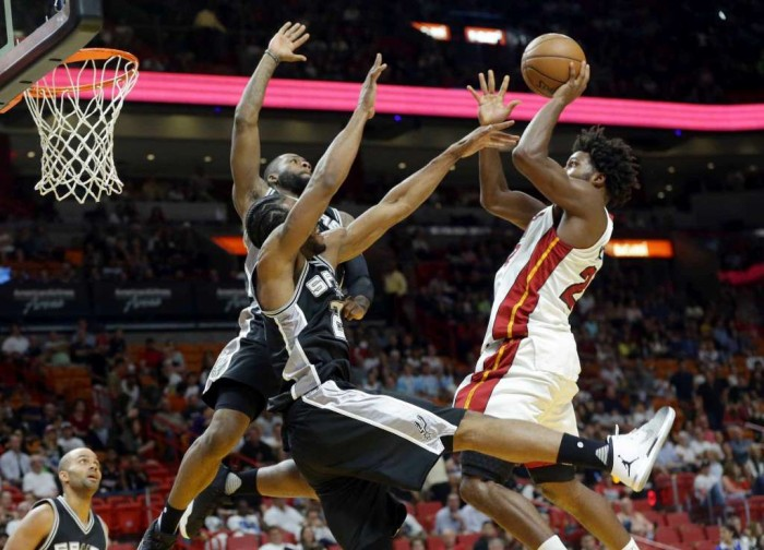Leonard comes up big late, Spurs top Heat 106-99