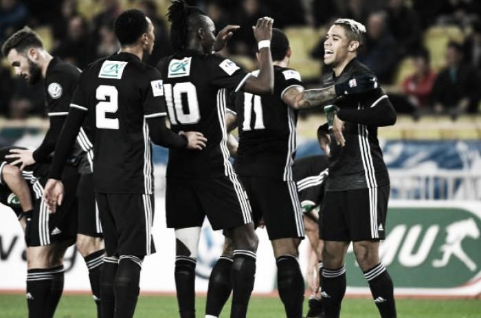 Lyon quebra sequência positiva do Monaco e avança na Copa da França; PSG passa pelo Guingamp