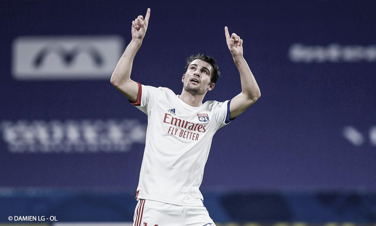 Com gol no fim, Lyon vence Bordeaux e assume liderança provisória de Ligue 1