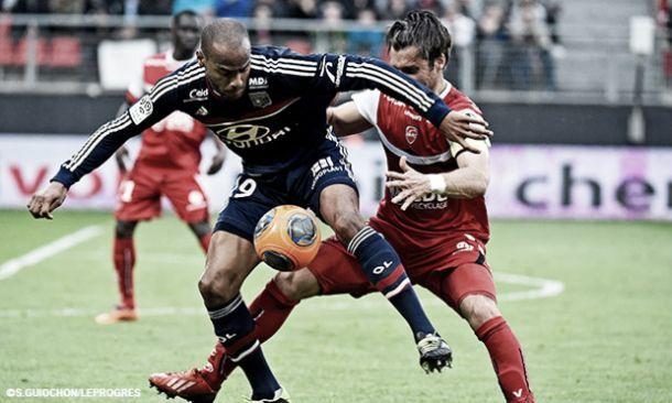Fora de casa, Lyon tem trabalho e vence Valenciennes por 2 a 1