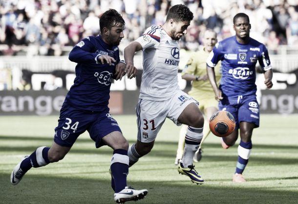 Lyon domina, goleia Bastia e segue vivo em busca de uma vaga na Europa League