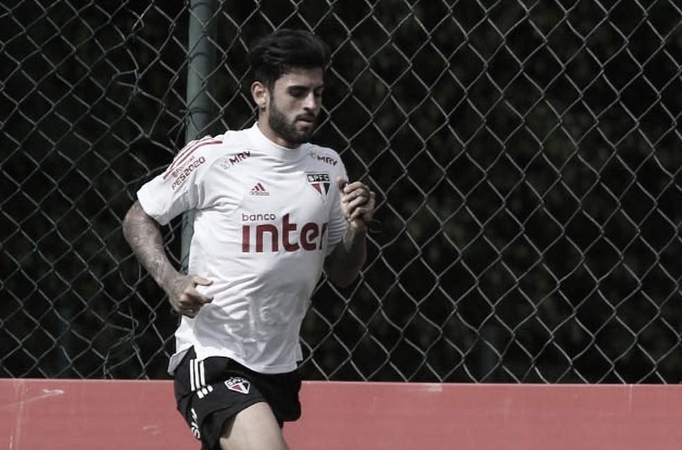 Liziero passará por cirurgia no tornozelo e desfalca São Paulo até ano que vem