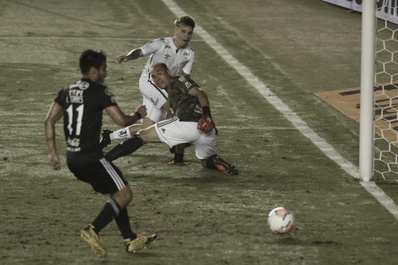 Após empate, Soteldo diz que Libertadores é mais difícil que o Brasileirão