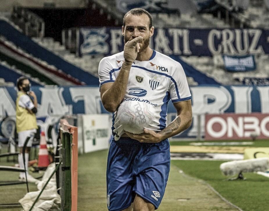 """Autor do gol da vitória, Pedro Casto valoriza triunfo do Avaí sobre Cruzeiro: """"Vamos recuperar a confiança"""""""